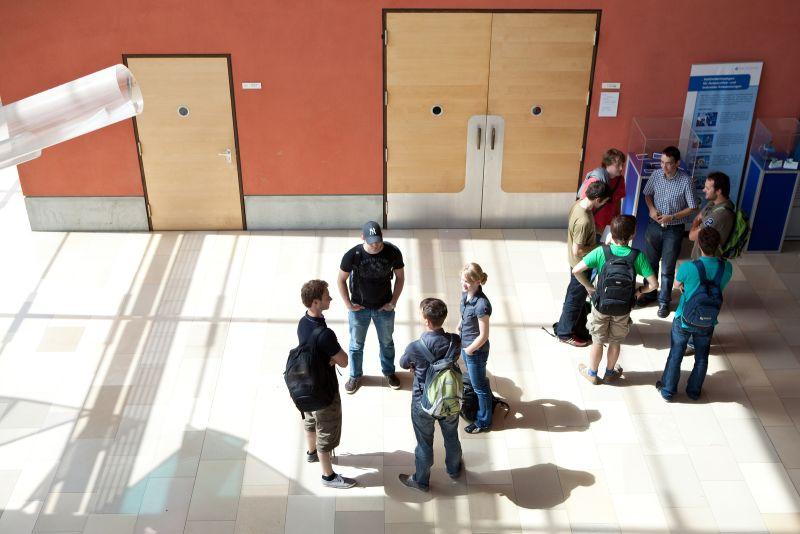 Foyer Gebäude 101