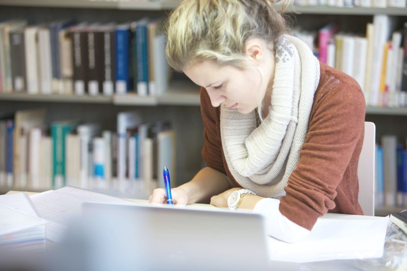 Lernende Studentin