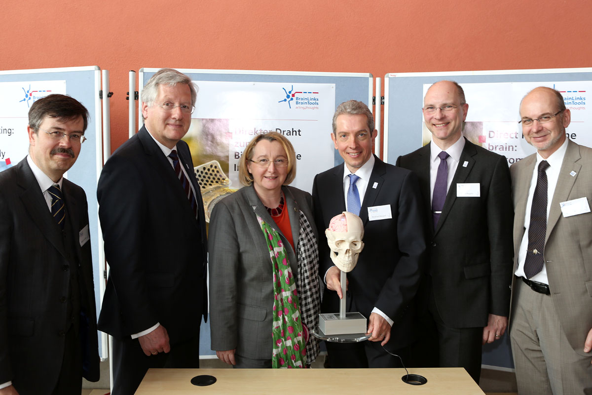 Technology for the Brain - Minister of Science Theresia Bauer Opens New Cluster of Excellence BrainLinks-BrainTools